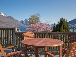 Central Southern Lakes - Queenstown Holiday Home