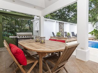 Casa Serendipity -Recently Remodeled Home and Walking Distance to the Beach!!