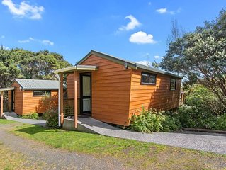 The Hayshed Wairoro Park - Russell Holiday Home