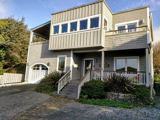 Panoramic Ocean View with class & short path to beach - minutes to Cannon Beach!