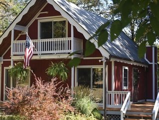 Family friendly, cozy chalet minutes from Shawnee Mt. and Bushkill Falls