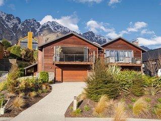 Cedar Lodge - Jacks Point Holiday Home