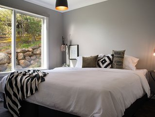 Quartz Retreat - Ideal group accommodation for up to 10 guests!