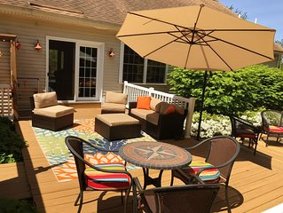 Starlit Getaway With Large Decks Between Portland and Sebago Lake