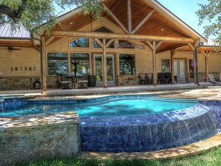 Fryars' Villa (Formerly 'Strait Up on the Frio') * Frio Premier Rental Homes