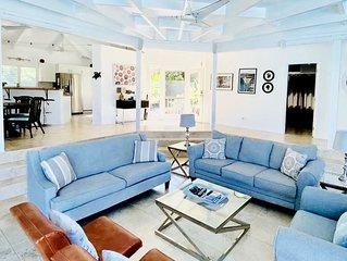 Hidden Valley Villa 3 bedroom 3 bath. Ocean views & private pool, 2 min to beach