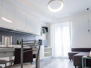 Bellissimo appartamento completamente arredato in Romana (free wifi, AC)