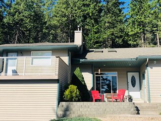 3 bedroom house on 5 acres close to Silverstar Mountain.