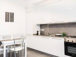 113 . Appartamento nuovo e completamente arredato in  Romana