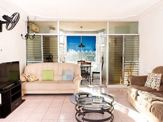 New Kingston Apartment with Swimming Pool and great WIFI