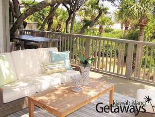 HUGE Oceanfront Deck, Oceanviews! Cool, Fresh, Breezy, Carefree and COMFORTABLE