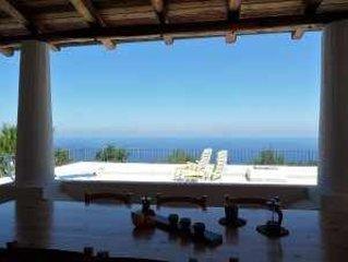 Casa Nina  - Ampio terrazzo vista mare e sulla costa di Malfa, holiday rental in Rinella