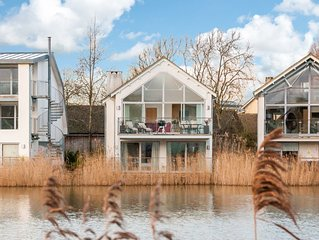 Bittern Reeds, Luxury Spa, Pet Friendly, Lake Views, Lower Mill Estate