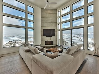 CDC Approved Cleaning! Floor to Ceiling Mountain Views - Total Luxe. Minutes to
