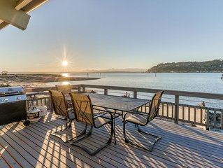 New listing! Bayfront home with views, cable, patio and wood-burning fireplace!