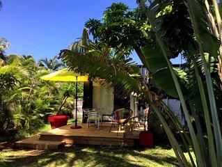 Studio dans écrin de verdure situé à 200m de la plage