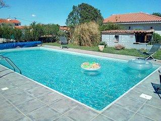 Spacieuse villa avec Jardin et Piscine