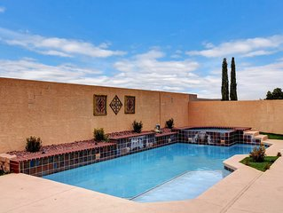 Pool/Spa-15 min from ✈️ & strip. Smart TVs Close to shopping � freeway, Costco