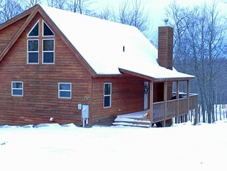 WISPy Mtn Hop is a 4BR chalet nestled on top of WISP Mountain.  Pool Table, HT