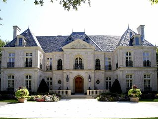 Grand Buckhead Mansion!  Heated pool, Tennis Court, Huge Lawn.