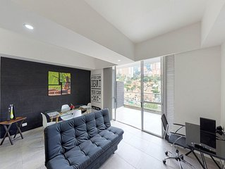 Stylish dog-friendly apartment with great location near shopping and dining