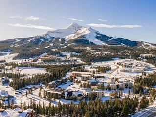 Studio condo w/entertainment & mountain views-near ski lifts