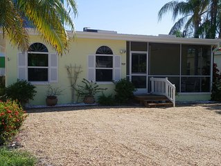 Location!  Welcome To Bare Feet Retreat.  Steps From Times Square And The Beach