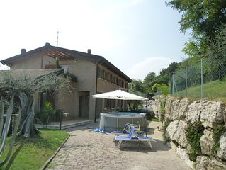 Casa con giardino a Montescudo, Rimini