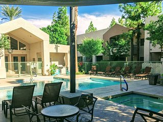 Gilbert Vacation Condo! Heated Pool, Hot Tub And Walking Distance To Downtown!