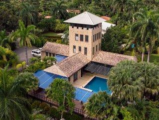Castillo Resort nestled in the Costarican jungle on the Pacific ocean-sleeps 24