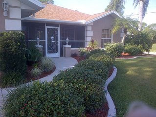 Cozy Corner Home near Warm Mineral Springs and Beaches !