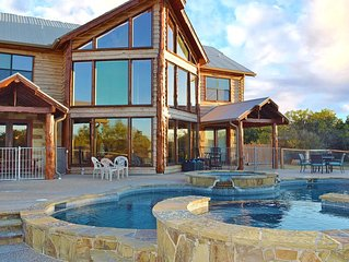 Breathtaking Hill Country Sunsets & private pool/hot tub + waterfront access