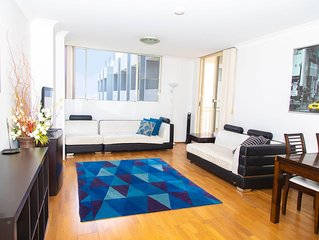 SPACIOUS 2 bedroom Apartment with Free WiFi, Parking, Close to Shops and UNSW