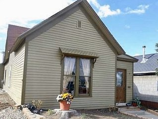 Spacious vacation rental close to town