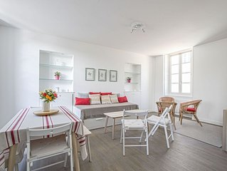 Large comfortable apartment in Bayeux