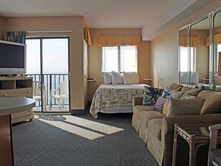 *Oceanfront* 11th-story Myrtle Beach Studio Condo!