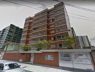 Amplo Apartamento na Praia Grande - Vila Tupi - Acomoda ate 6 pessoas