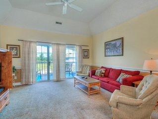 GREAT LOCATION! Directly next to the pool! Washer/Dryer & FREE WiFi!