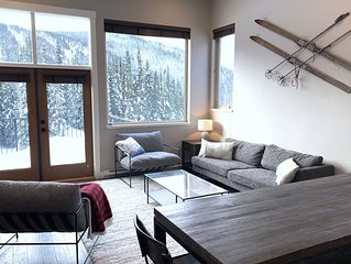 Brand new Ski in-out 3 bedroom Luxury Townhome for 19/20 Winter Season