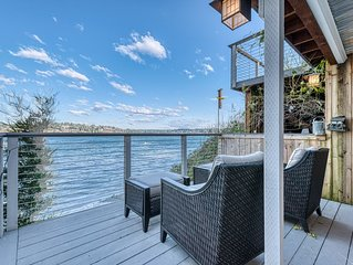 On the beach! Kayaks, Rowboats, Canoes! Expansive decks! All new!