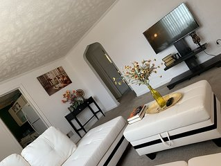 Comfortable Modern 3 bedroom House