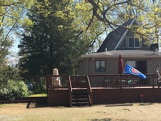 4BR / 2.5 BA Family friendly get away for lake fun and college football!