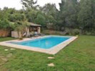 Villa au calme avec grande piscine, location de vacances à Valbonne