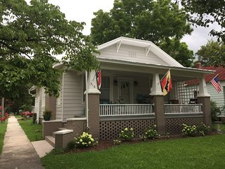 Riverside Retreat - 1940's Coastal Bungalow in New Bern, NC
