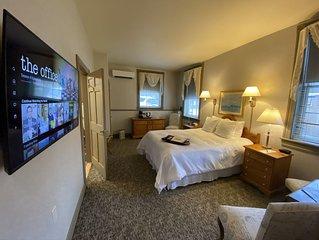 Romantic Boutique Hotel / Bed and Breakfast - Standard Queen Handicap Accessible