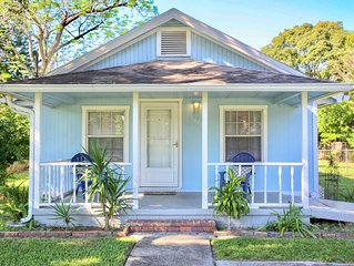 Charming Winter Park Fully Furnished & Pet Friendly Farmhouse Bungalow