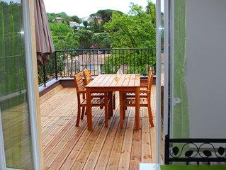 Loue trés bel appartement avec terrasse à 250 mètres des Thermes