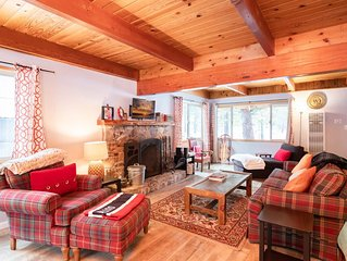 Chateau De Glace Central Modern Furnished Chalet / Hot Tub / Walk To Lake