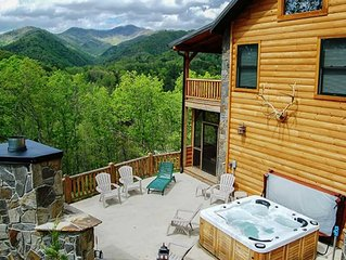 Stunning  Mountain Views From Cabin With Hot Tub & Covered Porch!