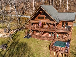 Mountain Time 3 Bedroom 3 Bath Log Cabin in Valle Crucis